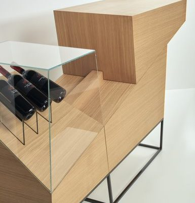 "Dominik Huber Weinpräsentationsmöbel ""slide bar"""